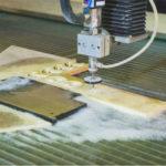 Как осуществляется гидроабразивная резка материалов?